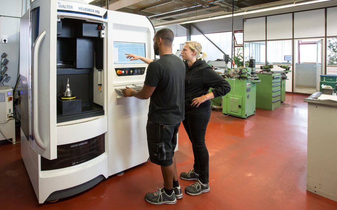 Die neue Kollegin wiegt 2.500 kg: Messmaschine Helicheck Pro