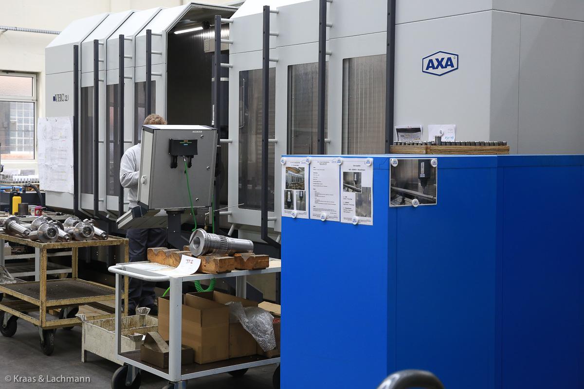 Mit dem Hydrodehnspannfutter Plan und dem Hochleistungsfräser kann das AXA Bearbeitungszentrum seine Power in der Zerspanung voll ausspielen.